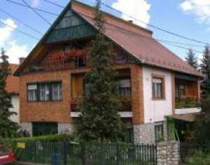 6 Bedroom House in the National Park Area
