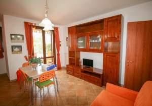 Riparbella, duplex with two rooms and small garden
