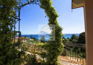 iv1072 Independent  house with sea view for sale in Bordighera.