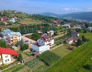 6 Bed Detached Wood House with Land in Bucovina