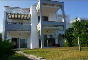 Beautiful villa  4 bedrooms 4 bathrooms with pool garden